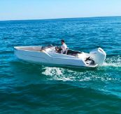 2021 D-Boat Diamond 550