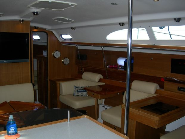 2011 Catalina BoatsalesListing Broker