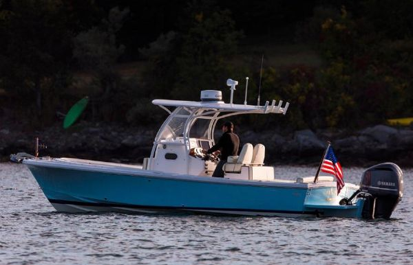 2018 Hunt Yachts Center Console 26