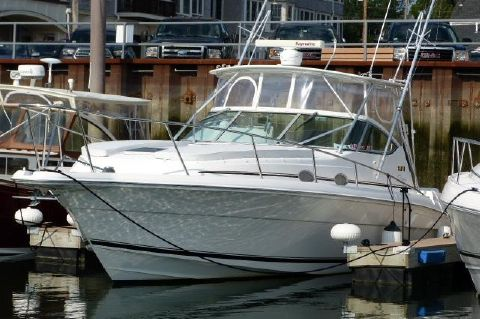 2004 Stamas 370 Express - Head-Turner at Slip or At Sea