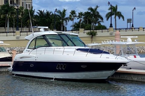 2012 Cruisers Yachts 430 SC