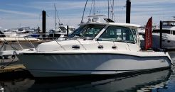 2016 Boston Whaler 345 Conquest Pilothouse