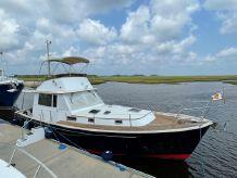 2000 Legacy Yachts 40 Sedan