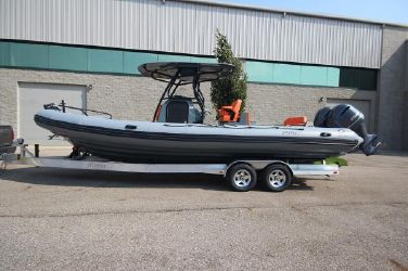 Zodiac Custom Pro 850 Optimum Twin 250hp In Stock