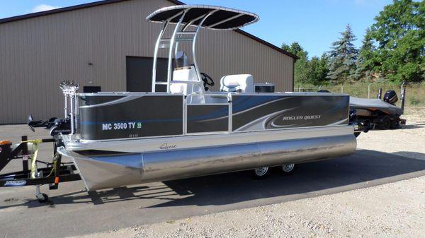 Apex Marine Qwest LS 818 Angler