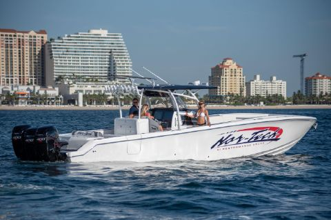 2019 Nor-Tech 390 Center Console