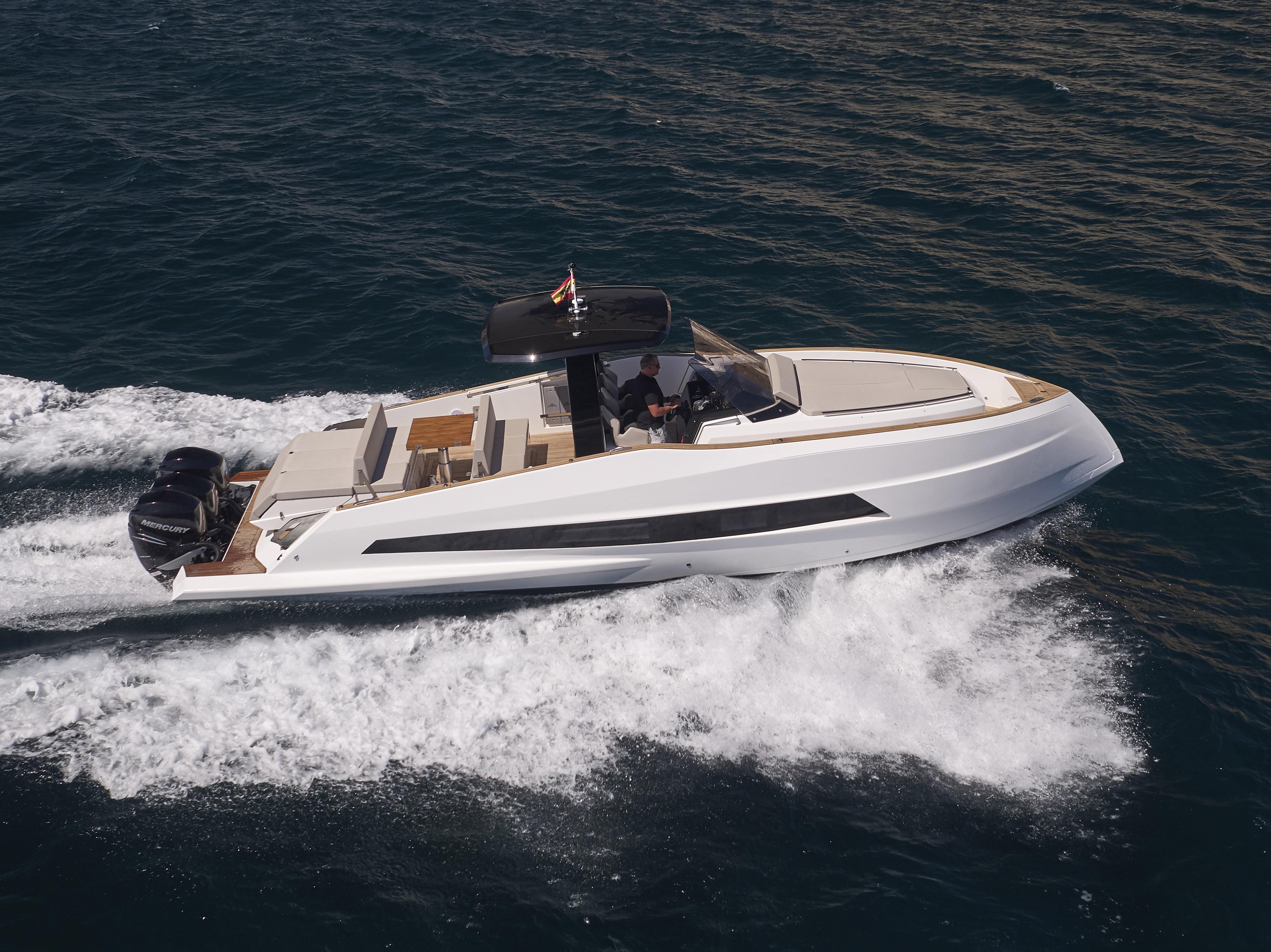 Astondoa 377 Outboard ...