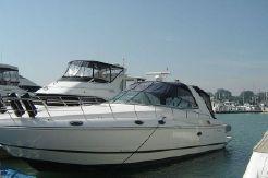 1999 Cruisers Yachts 4270