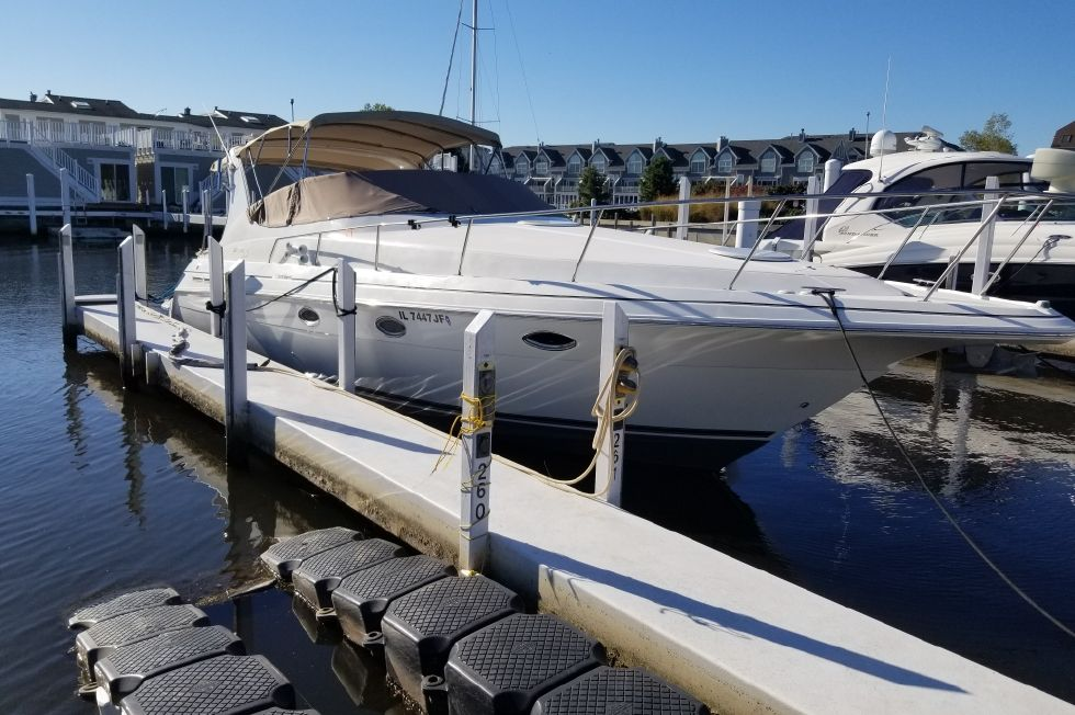 1999 Cruisers Yachts 3375 Esprit