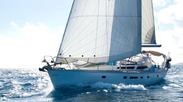 Jeanneau 12.5 Voyage Sailing in Light Air