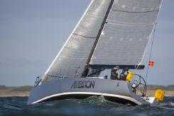 2008 J Boats 122