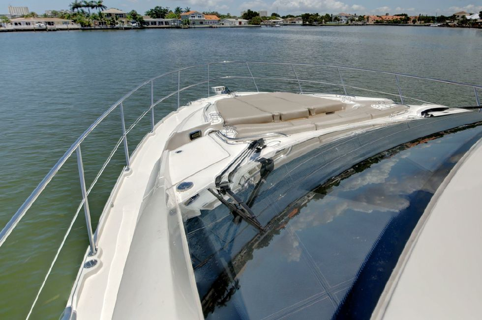 2016 Sea Ray 590 FLY