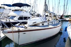 1968 Columbia Yacht 36