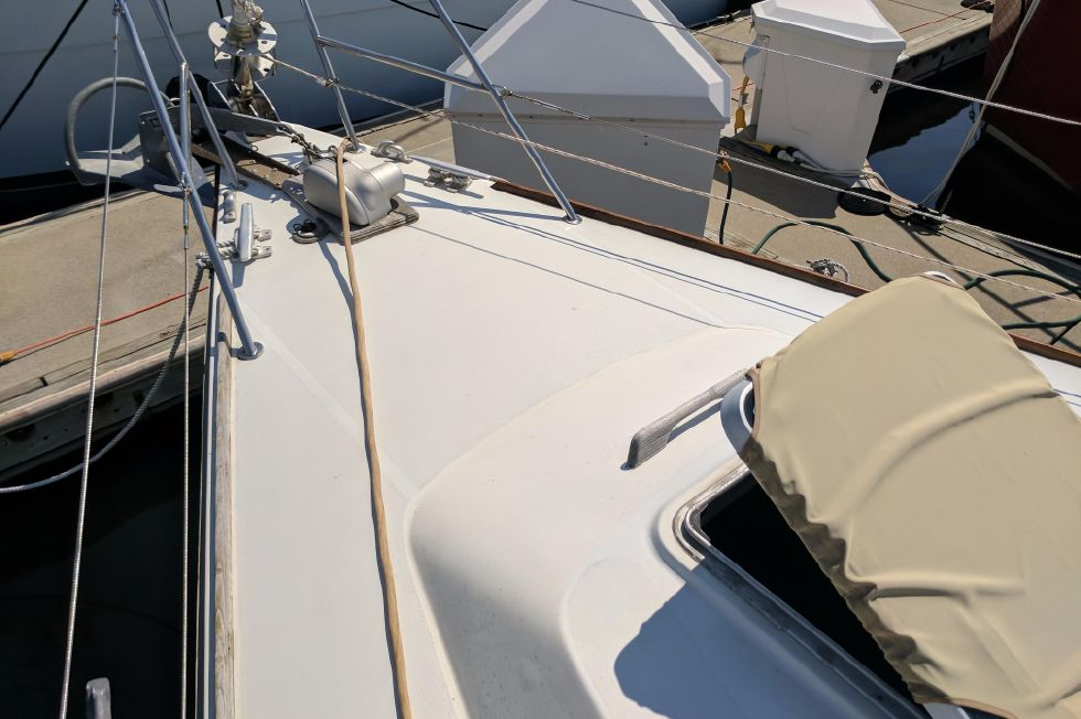 1984 Westerly Sealord 39 - Bow
