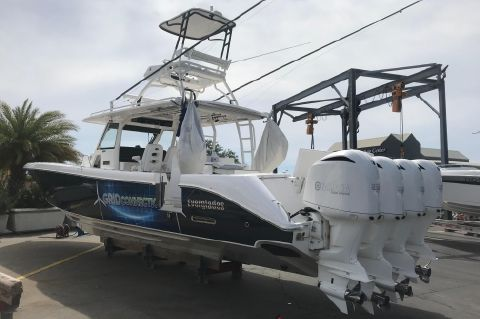 2016 Everglades 43 Center Console - Grid Connection 2016 43 Everglades Starboard Quarter