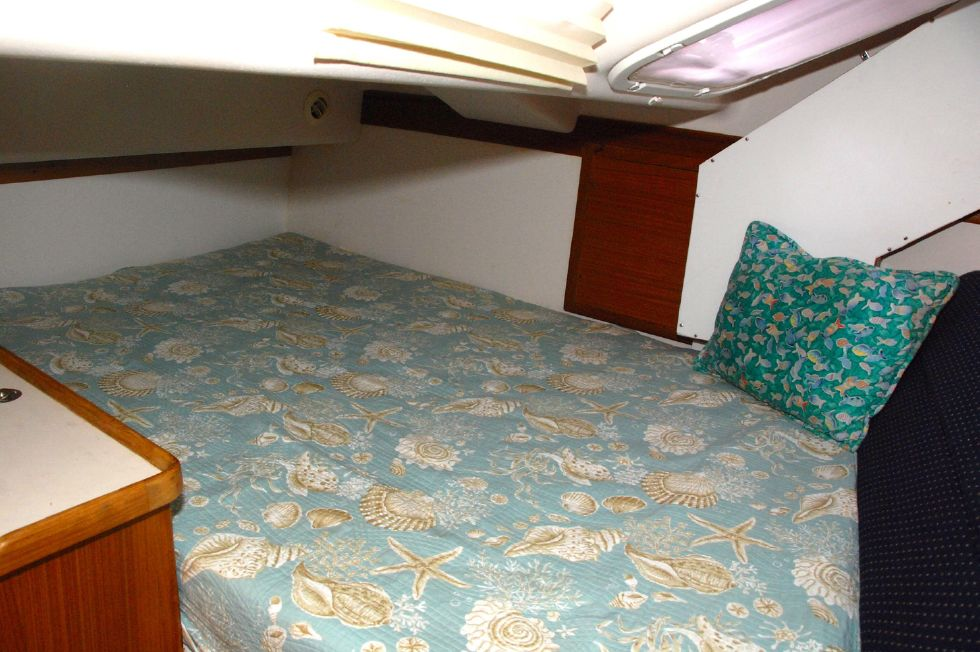 Double aft berth