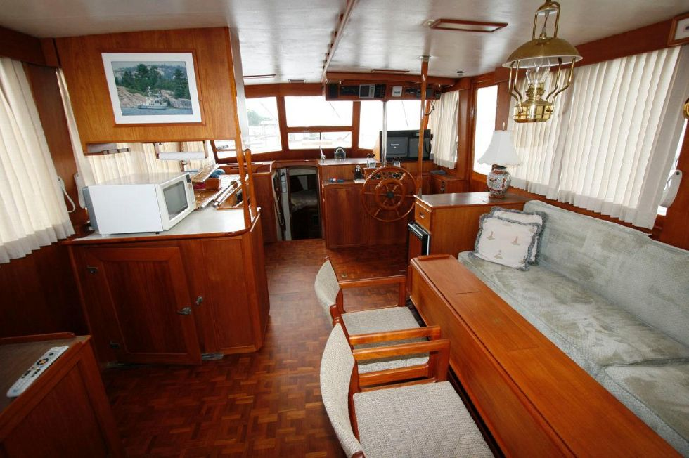 Salon to Helm Station, Galley Port