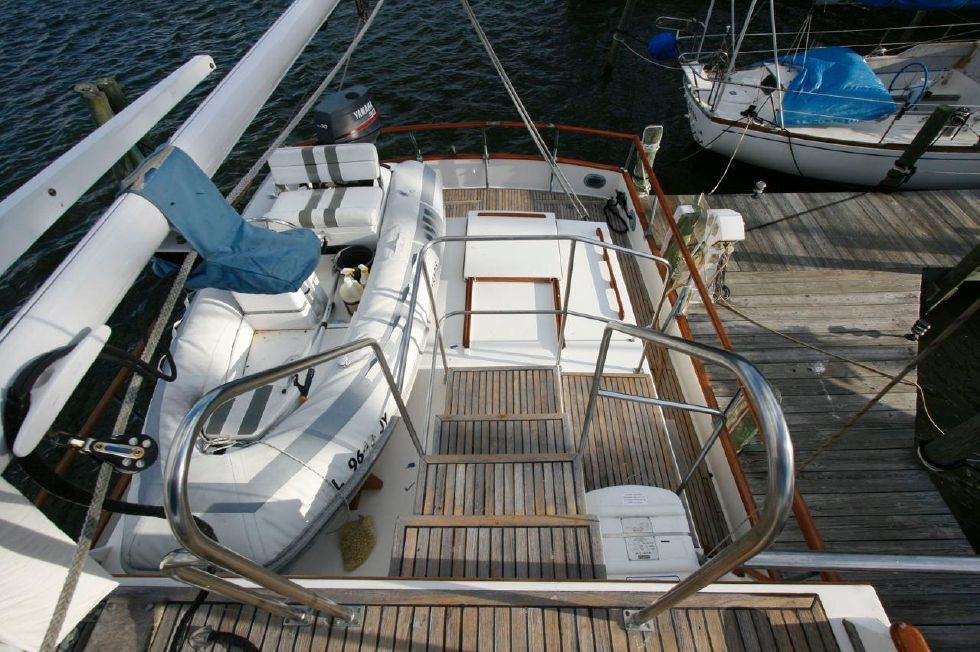 1980 Grand Banks 49 Classic - Flybridge View Looking Aft