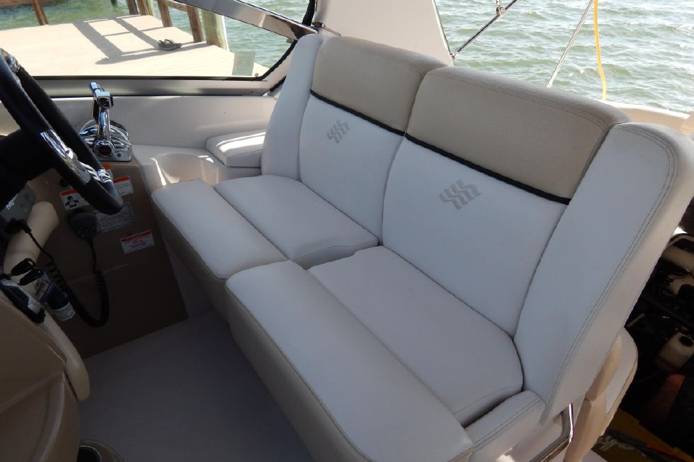 2008 Four Winns 318 Vista - Captains / Companions Seat