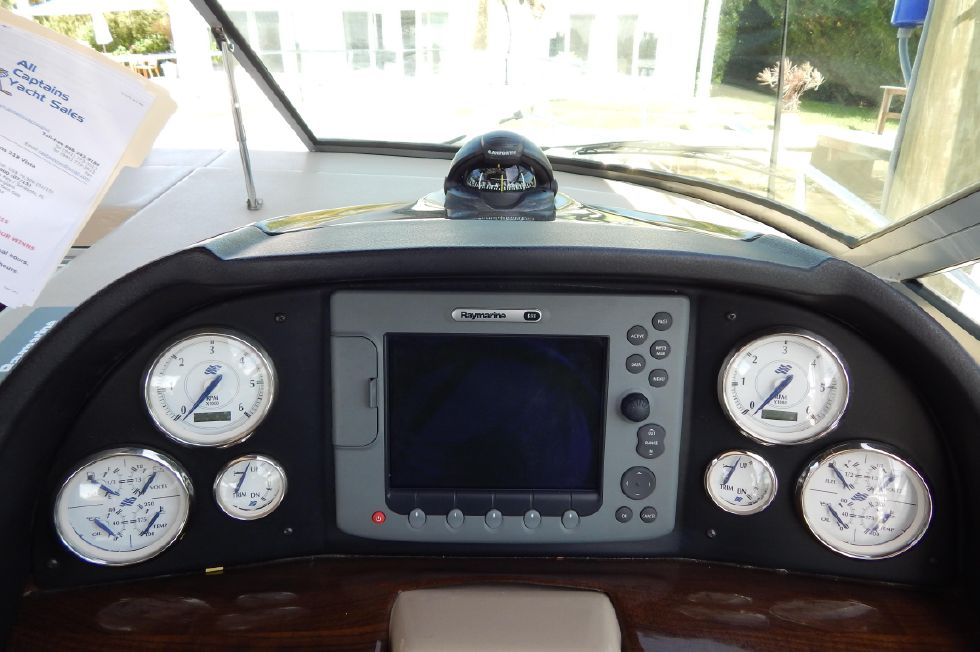 2008 Four Winns 318 Vista - Raymarine E80 with Radar