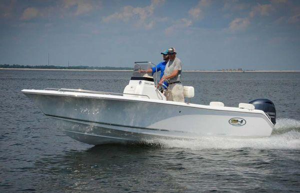 2018 Sea Hunt Triton 188