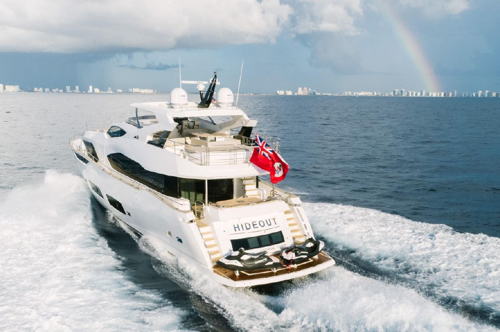 Deep V hull provides comfortable cruising in all conditions