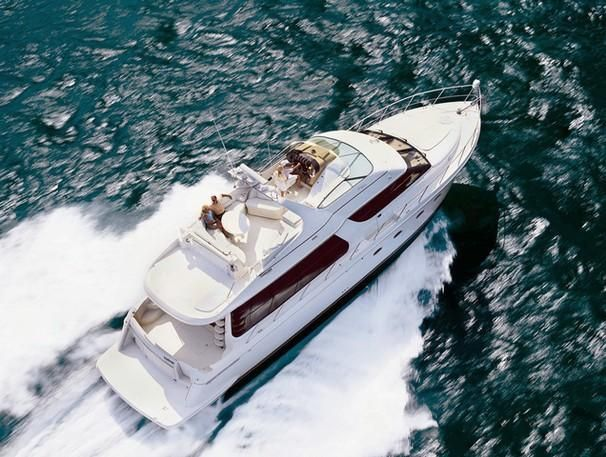 2001 Carver 570 Voyager Pilothouse - Manufacturer Provided Image: 570 Voyager Pilothouse