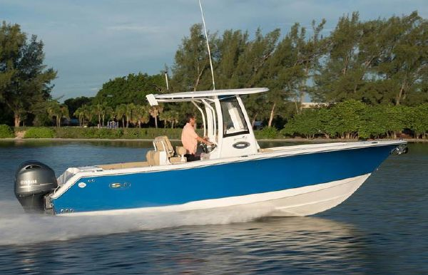 2018 Sea Hunt Gamefish 27 with Coffin Box