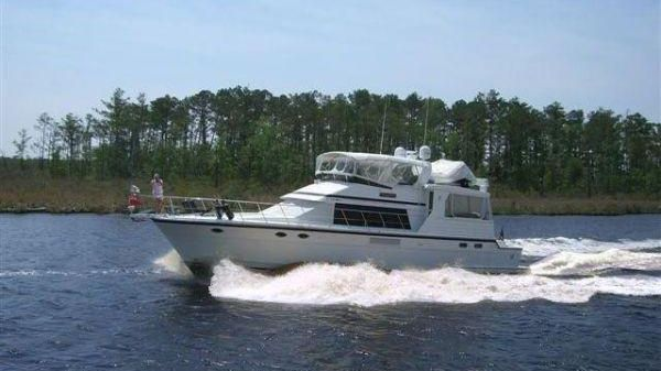 Jefferson Rivanna Cockpit Motor Yacht