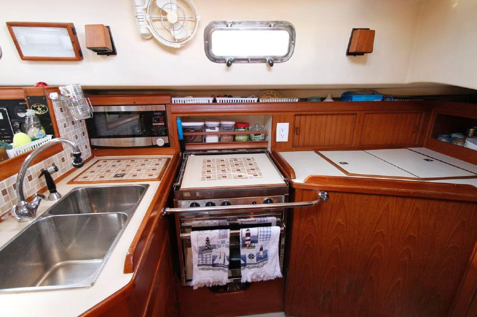 1998 Island Packet 40 - Island Packet 40 Galley w/Custom Tile