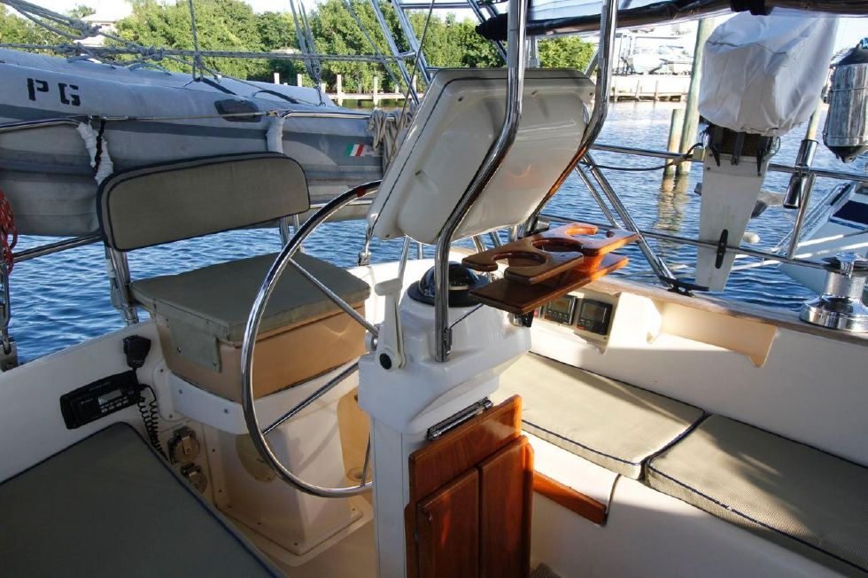 1998 Island Packet 40 - Island Packet 40 Pod and Custom Helm Seat