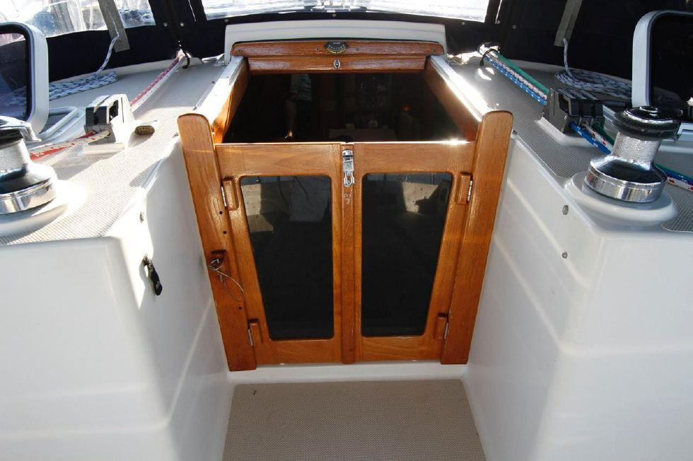 1998 Island Packet 40 - Island Packet 40 Companionway door with Screen option