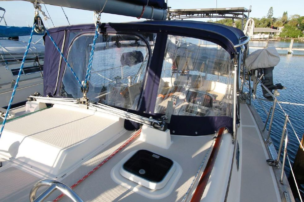 1998 Island Packet 40 - Island Packet 40 New Bimini
