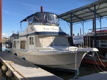 1983 Uniflite Yacht Home