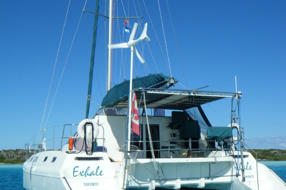 1999 Island Spirit 37 Catamaran - Stern view
