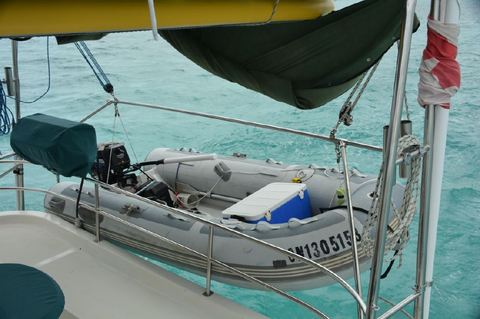 1999 Island Spirit 37 Catamaran - Dinghy and davits