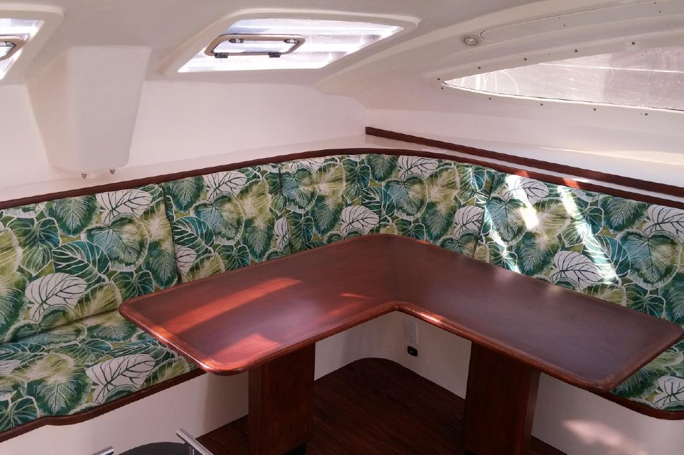 1999 Island Spirit 37 Catamaran - Spacious Salon