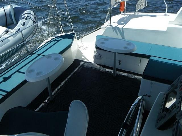 1999 Island Spirit 37 Catamaran - Spacious Cockpit