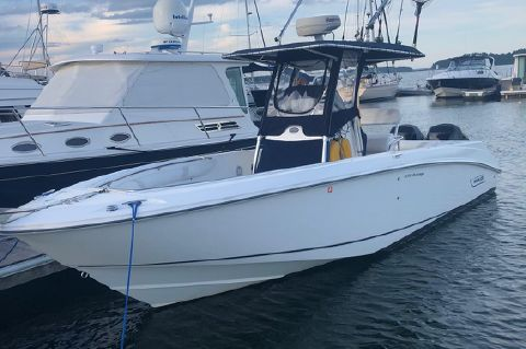 2004 Boston Whaler 27 Outrage