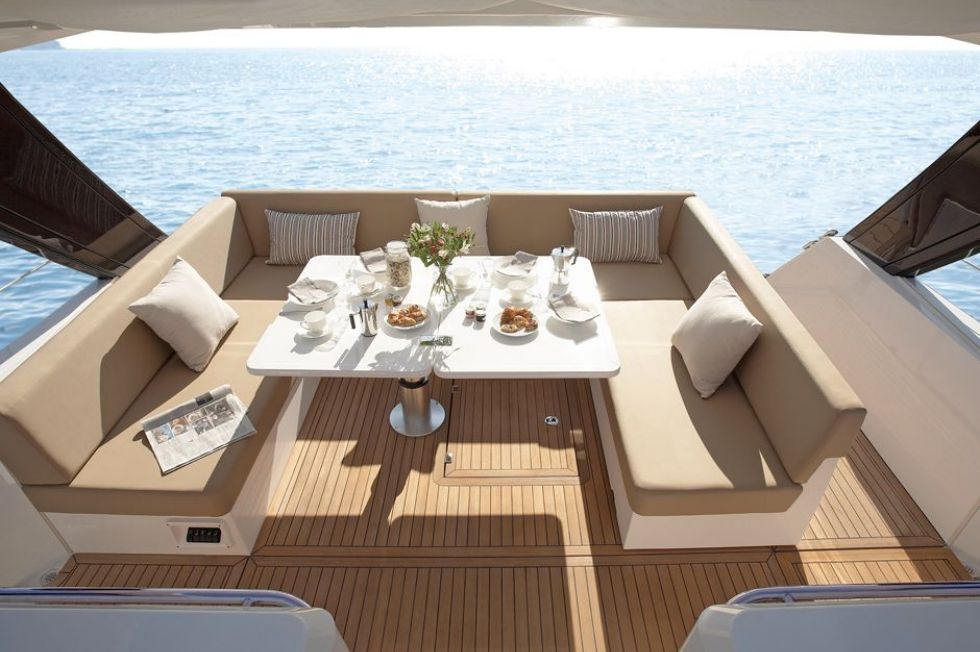 Manufacturer Provided Image: Sealine International SC42 Convertible Outside Option 1 Dining