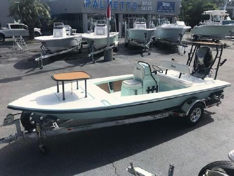 Maverick Boat Co. Mirage 18 HPX-V Carbon