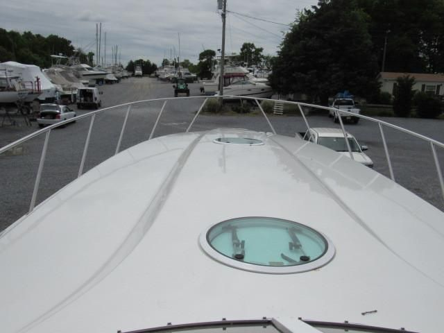2004 Fountain 48 Express Cruiser - Deck 1