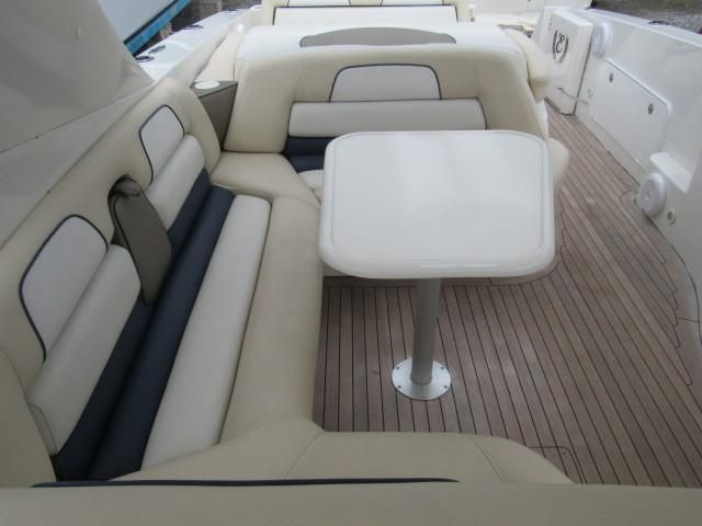 2004 Fountain 48 Express Cruiser - Deck 11