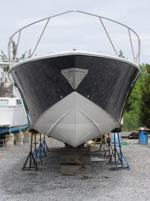 2004 Fountain 48 Express Cruiser - Profile 7
