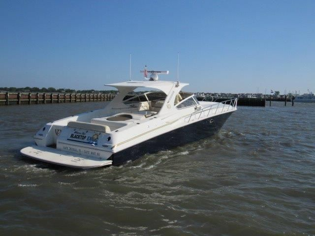 2004 Fountain 48 Express Cruiser - Profile 10