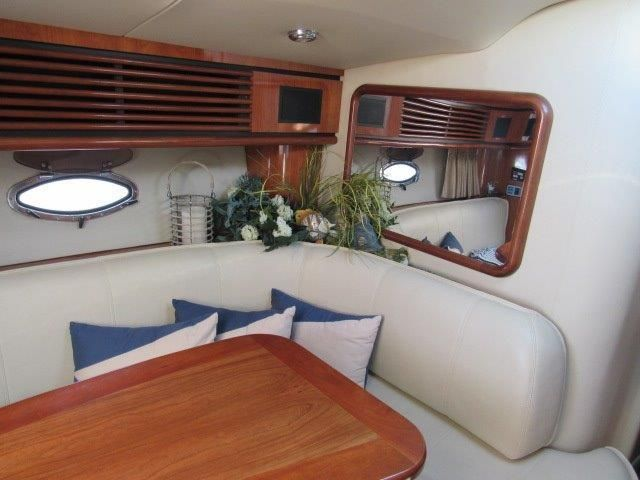 2004 Fountain 48 Express Cruiser - Salon 2