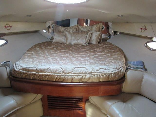 2004 Fountain 48 Express Cruiser - Master Stateroom 1