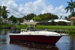 1990 Blackfin 25 Center Console