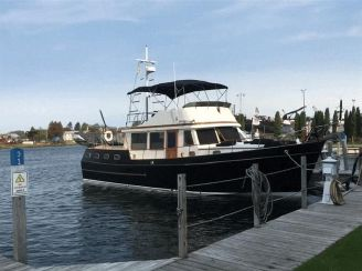 1983 Marine Trader 44 Sundeck