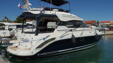 2012 Aquador 28 HT